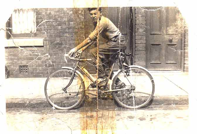 Joe Dyer 1955 Aged14 in Edward St Blaydon